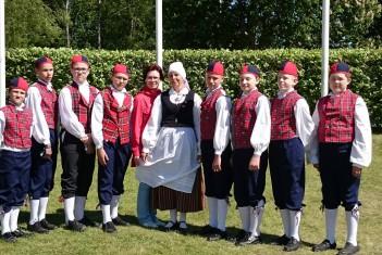 6.-7.juunil toimunud 3. meeste tantsupeol oli esindatud ka Ilmatsalu Põhikool