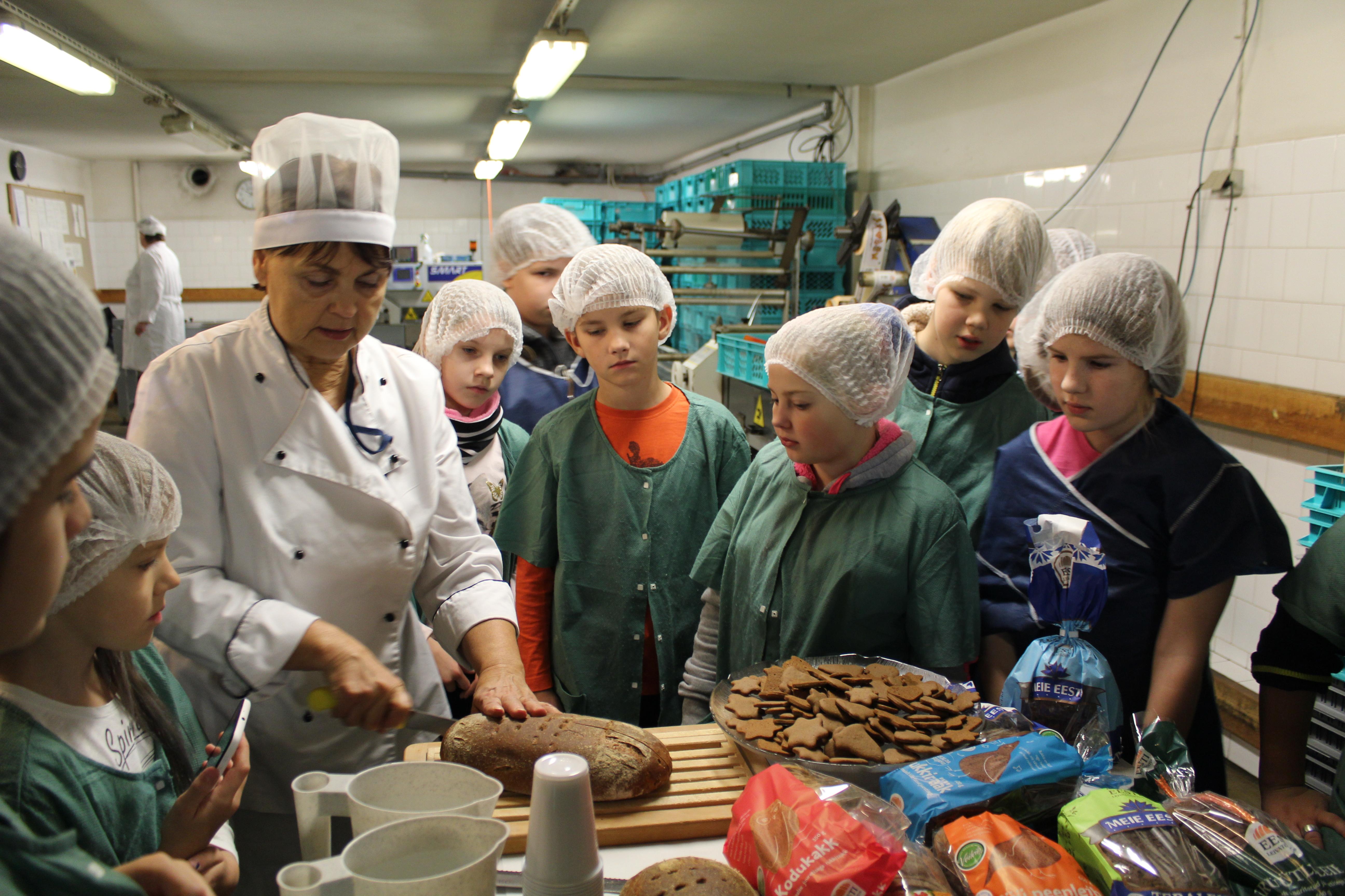 4b klassi õppekäik Eesti Leivatööstusesse