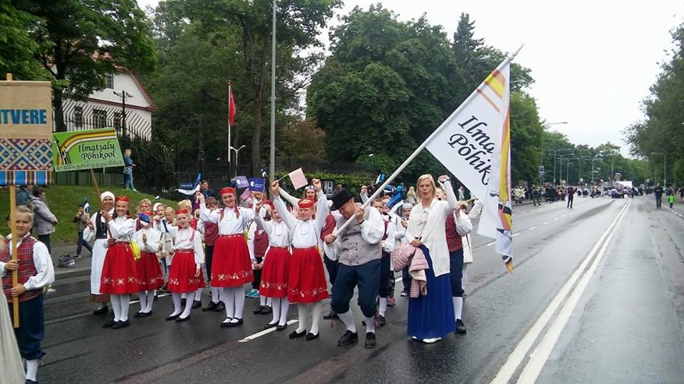 ERRS tunnustas parimaid XII laulu- ja tantsupeol osalenud Tartu maakonna kollektiive ja nende juhendajaid